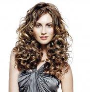 fryzura z lokami